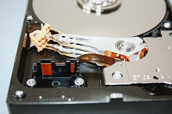 dažādas datoru komponentes